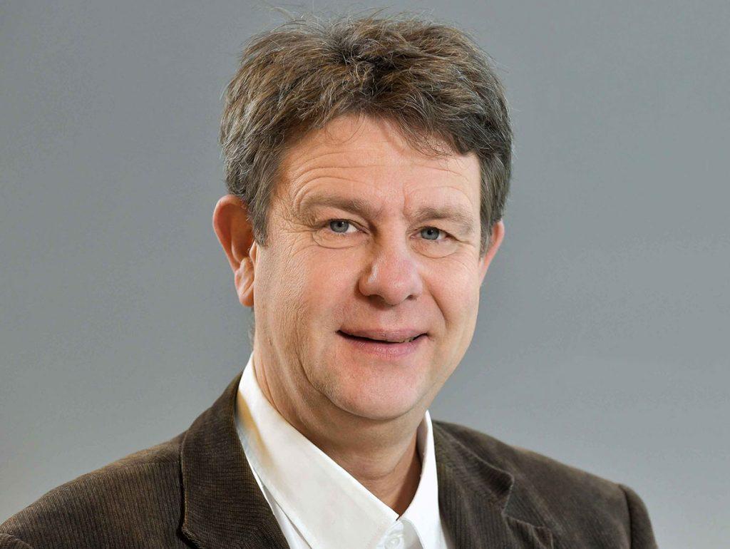Dr. Martin Fricke
